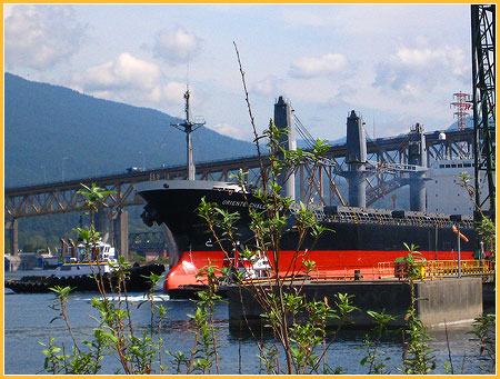 aug-27-09-freighter-burrard-inlet