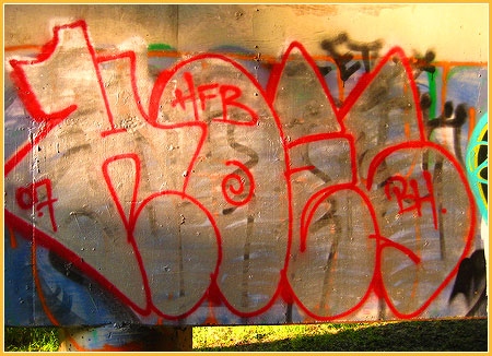 hoes-graffiti.jpg