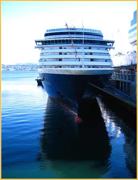 sept-19-09-cruise-ship2