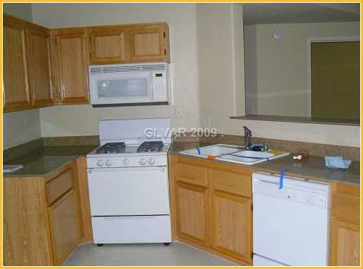 vegas-townhouse-kitchen
