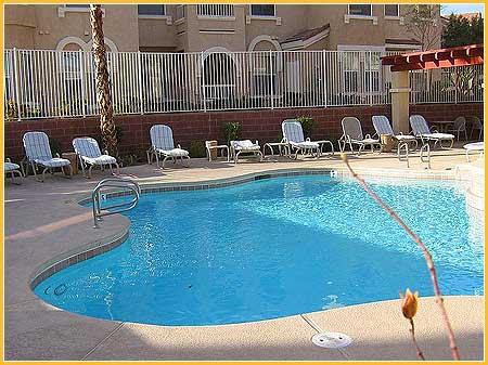 vegas-townhouse-pool
